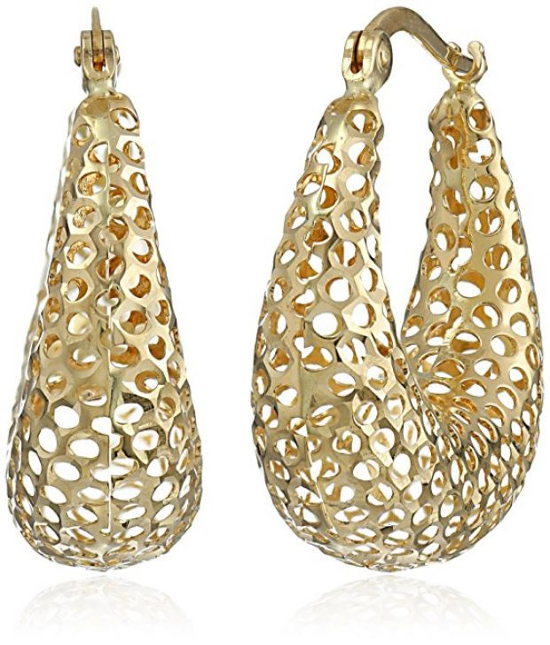 Normally $650, this pair of earrings is 79 percent off today (Photo via Amazon)