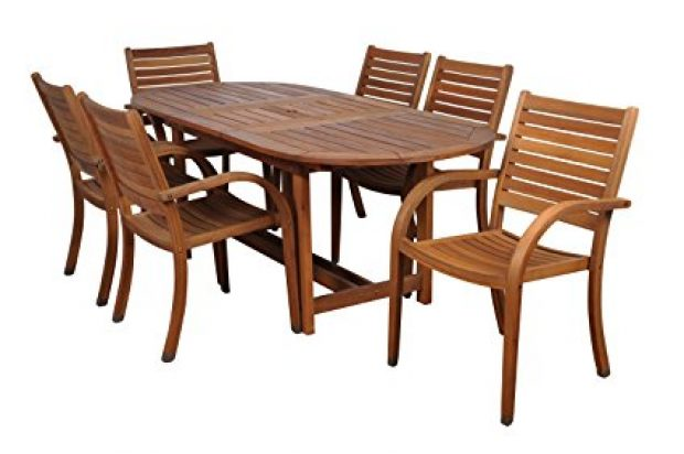 Normally $1,200, this 7-piece dining set is 30 percent off today (Photo via Amazon)