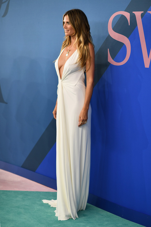 Heidi Klum Shows Theres No Such Thing As Too Low In White Gown