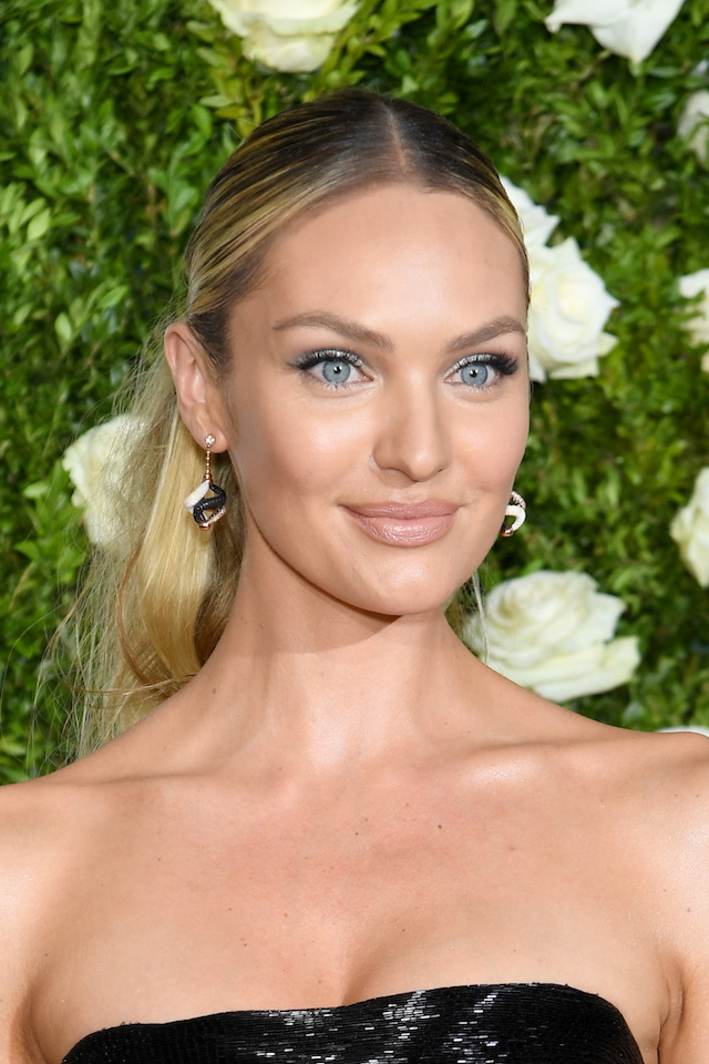 NEW YORK, NY - JUNE 11: Candice Swanepoel attends the 2017 Tony Awards at Radio City Music Hall on June 11, 2017 in New York City. (Photo by Dimitrios Kambouris/Getty Images for Tony Awards Productions)