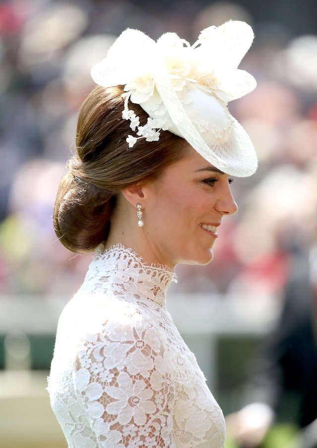 ASCOT, ENGLAND - JUNE 20: Catherine, Duchess of Cambridge attends Royal Ascot 2017 at Ascot Racecourse on June 20, 2017 in Ascot, England. (Photo by Chris Jackson/Getty Images)