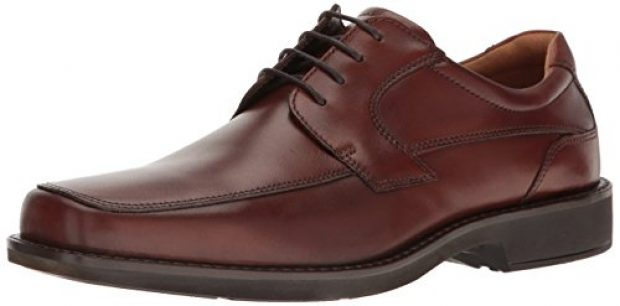 Normally $130, these Oxfords are 42 percent off today. They are available in both brown and black (Photo via Amazon)