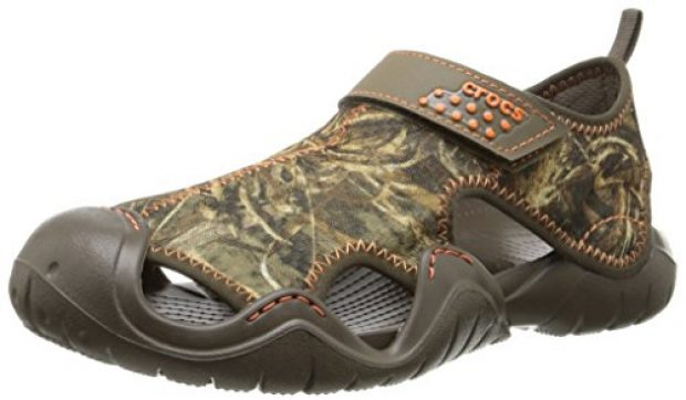 Normally $40, these sandals are 18 percent off today (Photo via Amazon)