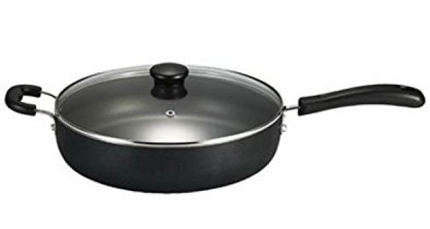 Normally $24, this sauté pan is 25 percent off today (Photo via Amazon)