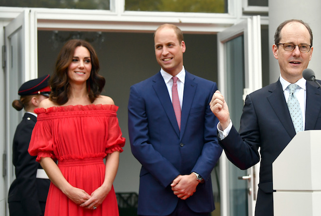 British Ambassador to Germany Sebastian Wood speaks next to Britain's Prince William and Catherine, Duchess of Cambridge at the 'Queen's Birthday Garten Party' in his residence in Berlin, Germany, July 19, 2017. REUTERS/Jens Kalaene/Pool - RTX3C4F1
