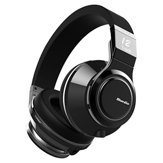 Normally $250, these wireless headphones are 52 percent off today (Photo via Amazon)