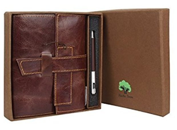 Normally $139, this leather journal is 80 percent off today (Photo via Amazon)