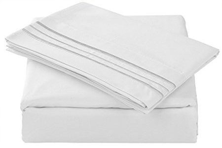 Normally $120, this 4-piece sheet set is 88 percent off (Photo via Amazon)