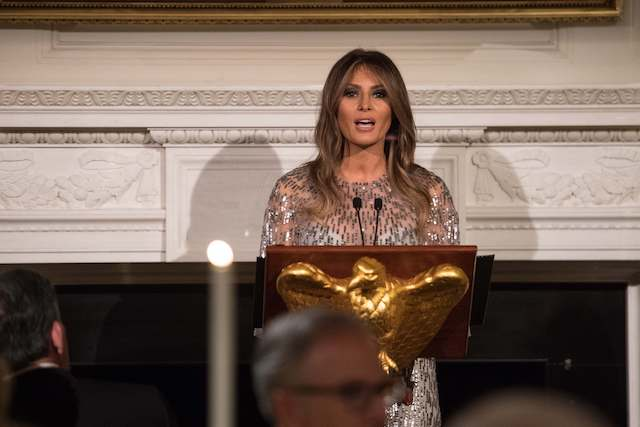 US First Lady Melania Trump addresses the White House Historical Association dinner at the White House in Washington, DC, on September 14, 2017. / AFP PHOTO / NICHOLAS KAMM (Photo credit should read NICHOLAS KAMM/AFP/Getty Images)