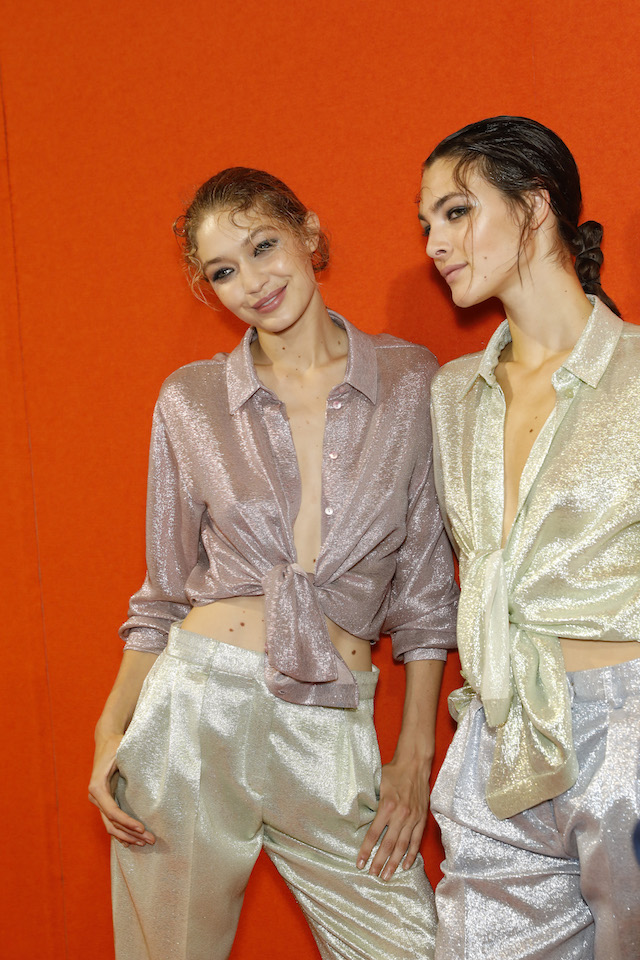 MILAN, ITALY - SEPTEMBER 20: Gigi Hadid (L) and Vittoria Ceretti are seen backstage ahead of the Alberta Ferretti show during Milan Fashion Week Spring/Summer 2018on September 20, 2017 in Milan, Italy. (Photo by Tristan Fewings/Getty Images)