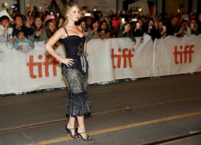 """Actor Jennifer Lawrence arrives on the red carpet for the film """"Mother!"""" at the Toronto International Film Festival (TIFF), in Toronto, Canada, September 10, 2017. REUTERS/Mark Blinch - RC1F2AC8C2B0"""