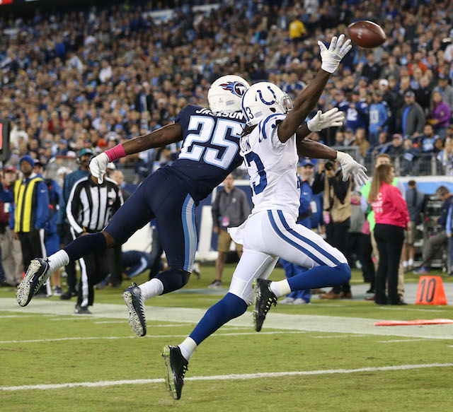 NASHVILLE, TN - OCTOBER 16: Adoree' Jackson #25 of the Tennessee Titans breaks up a pass to T.Y. Hilton #13 of the Indianapolis Colts during the first half at Nissan Stadium on October 16, 2017 in Nashville, Tennessee. (Photo by Frederick Breedon/Getty Images)