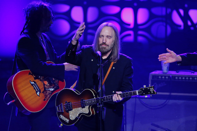 Musician Tom Petty performs on stage after being inducted during the 47th Songwriters Hall of Fame Induction ceremony in New York June 9, 2016. REUTERS/Eduardo Munoz