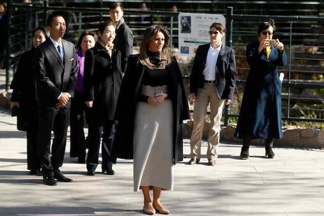 U.S. first lady Melania Trump visits Beijing Zoo in Beijing, China, November 10, 2017. REUTERS/Thomas Peter - RC1DBE5E7430
