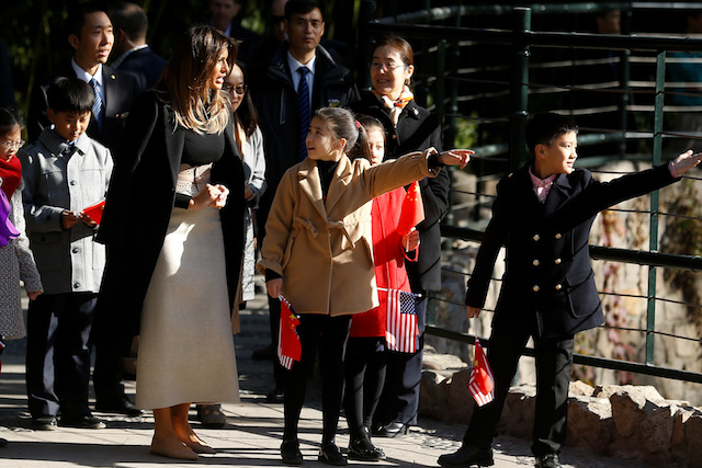 U.S. first lady Melania Trump visits Beijing Zoo in Beijing, China, November 10, 2017. REUTERS/Thomas Peter - RC170252DF00