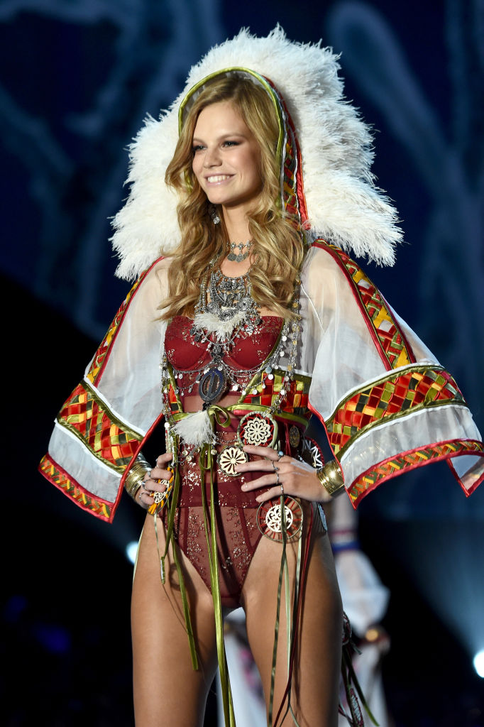 This Victoria S Secret Outfit Is Going To Send The Pc Crowd Over The