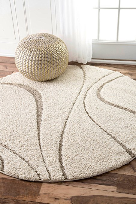 Normally $218, this rug is 42 percent off today (Photo via Amazon)