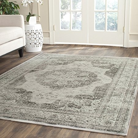 Normally $611, this rug is 41 percent off today (Photo via Amazon)