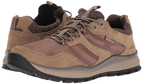 Skecher hiking shoes (Photo via Amazon)