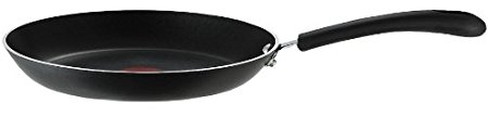 Normally $60, this #1 bestselling fry pan is 73 percent off today (Photo via Amazon)