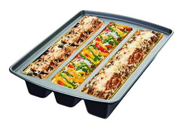 Think of all the possible lasagnas you could make with these lasagna trays (Photo via Amazon)