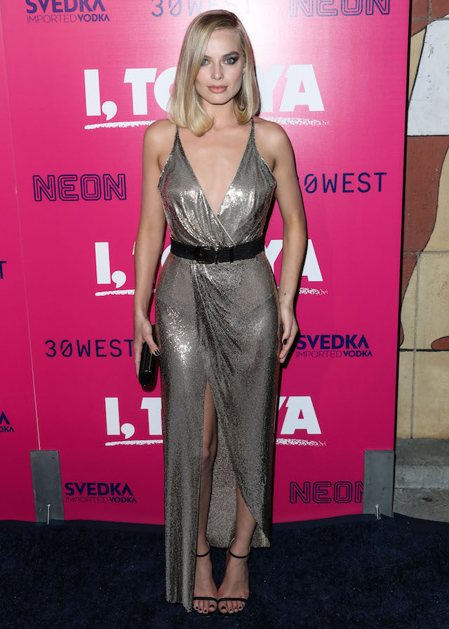 HOLLYWOOD, LOS ANGELES, CA, USA - DECEMBER 05: Actress Margot Robbie wearing a Versace dress arrives at the Los Angeles Premiere Of Neon's 'I, Tonya' held at the Egyptian Theatre on December 5, 2017 in Hollywood, Los Angeles, California, United States. (Photo by Xavier Collin/Image Press Agency/Splash News) <P> Pictured: Margot Robbie <B>Ref: SPL1633110 051217 </B><BR /> Picture by: Xavier Collin/IPA/Splash News