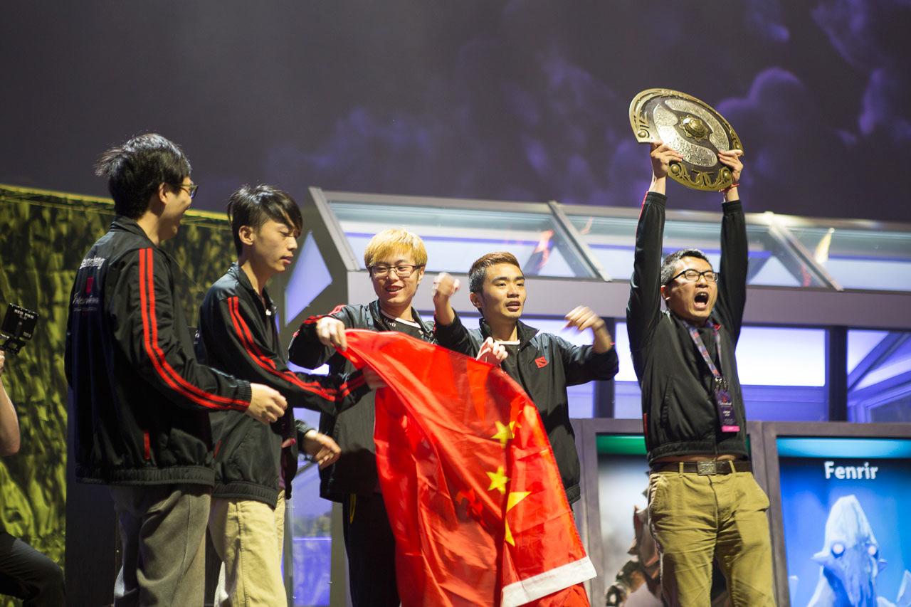 Winner team of The International 4: Newbee (Wikimedia Commons)