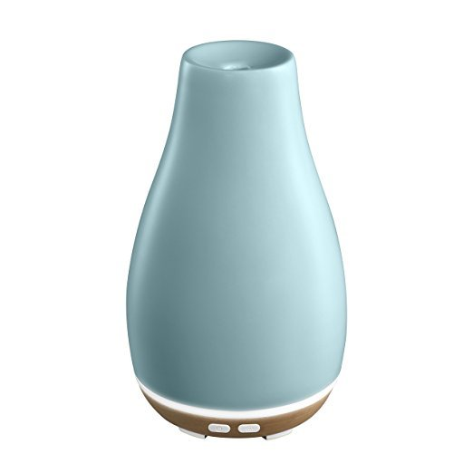 Normally $70, this essential oil diffuser is 49 percent off today (Photo via Amazon)