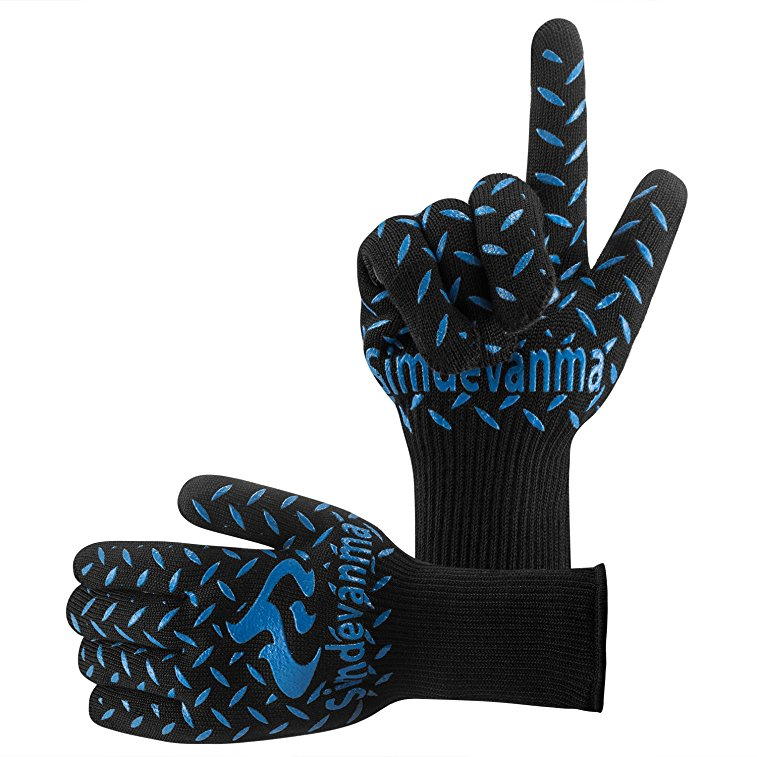 Normally $30, these heat resistant gloves are 40 percent off (Photo via Amazon)