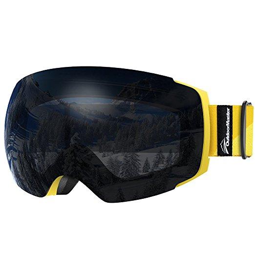 Normally $40, these ski goggles are 53 percent off today (Photo via Amazon)