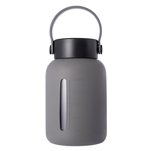 Normally $26, this 22oz water bottle is 60 percent off today (Photo via Amazon)