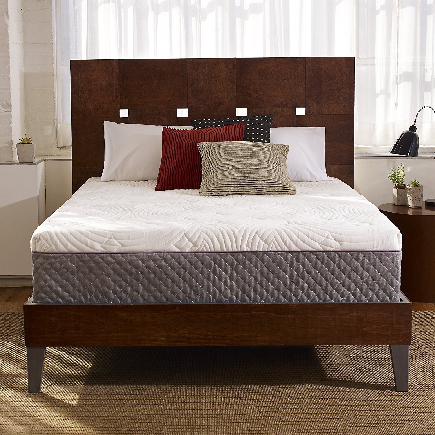 Normally $450, the Queen-size version of this mattress is 34 percent off today (Photo via Amazon)