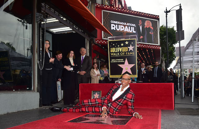 Performer RuPaul poses at his just unveiled Star at his Hollywood Walk of Fame ceremony on March 16, 2018 in Hollywood, California. / AFP PHOTO / FREDERIC J. BROWN (Photo credit should read FREDERIC J. BROWN/AFP/Getty Images)