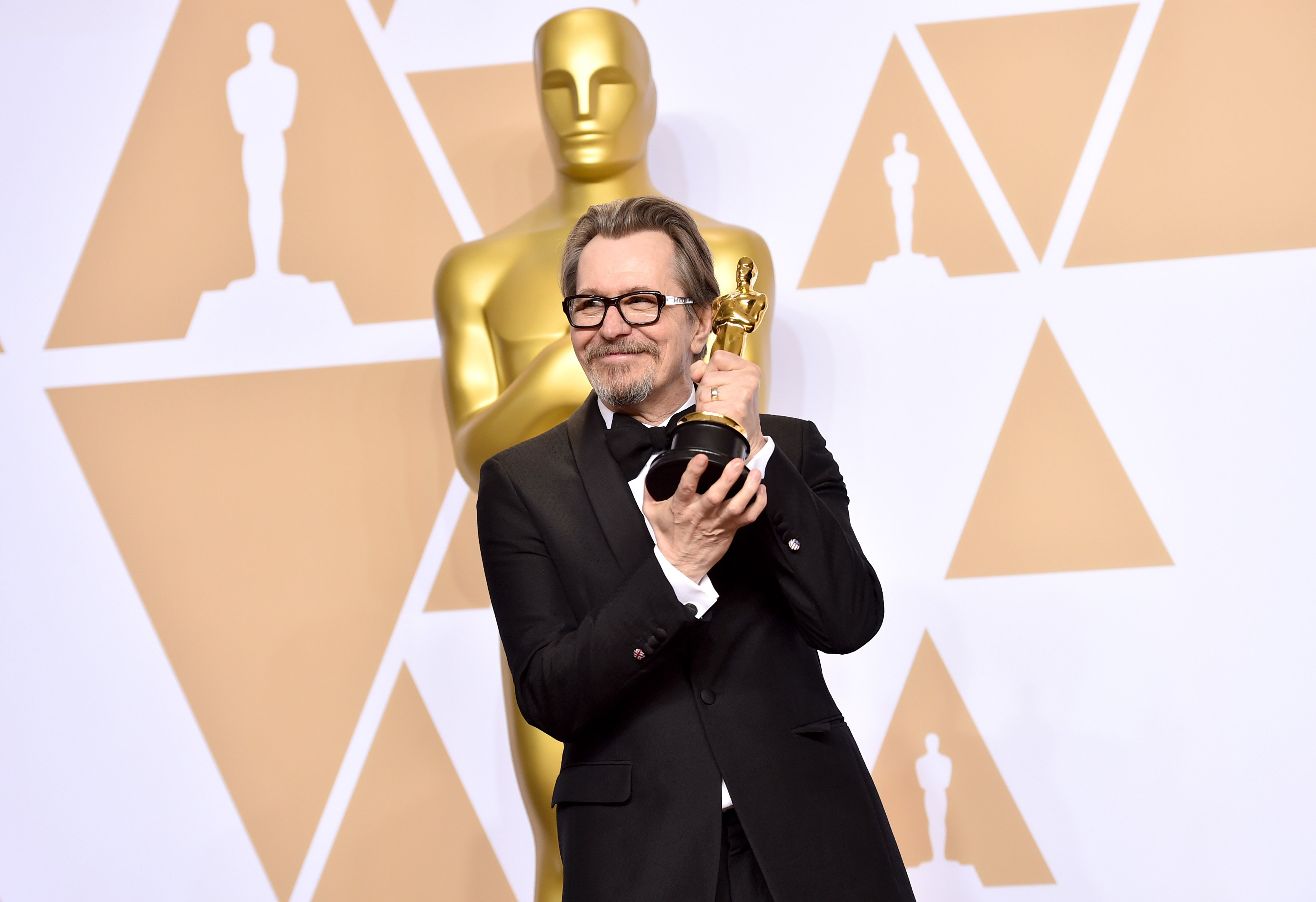 HOLLYWOOD, CA - MARCH 04: Actor Gary Oldman, winner of the Best Actor award for 'Darkest Hour,' poses in the press room during the 90th Annual Academy Awards at Hollywood & Highland Center on March 4, 2018 in Hollywood, California. (Photo by Alberto E. Rodriguez/Getty Images)