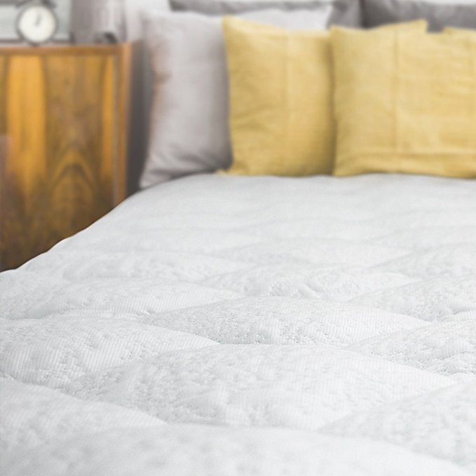 Normally $155, the Queen-size version of this cooling mattress pad is 25 percent off today (Photo via Amazon)