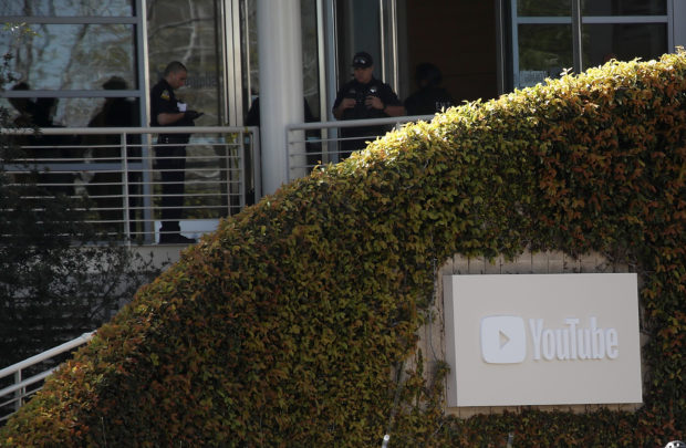 SAN BRUNO, CA - APRIL 03: Police officers YouTube headquarters on April 3, 2018 in San Bruno, California. (Photo by Justin Sullivan/Getty Images)