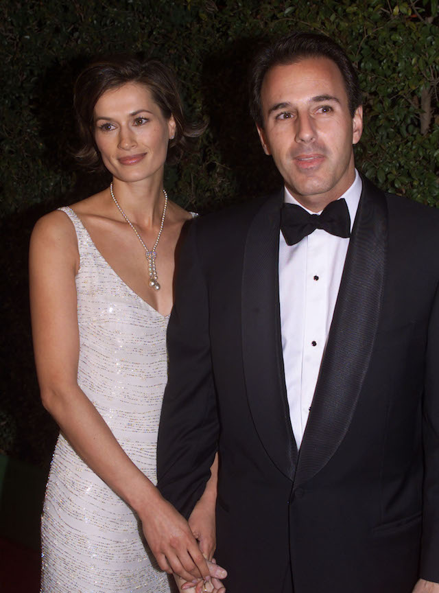 """Matt Lauer, co-host of the NBC television network morning program """"Today"""" arrives with his wife, Dutch model Annette Roque, at the DreamWorks studio party following the 72nd annual Academy Awards March 26 at Spago in Beverly Hills. The DreamWorks film """"American Beauty"""" won five Academy Awards including Best Picture. FSP - RP2DRHXUHDAE"""
