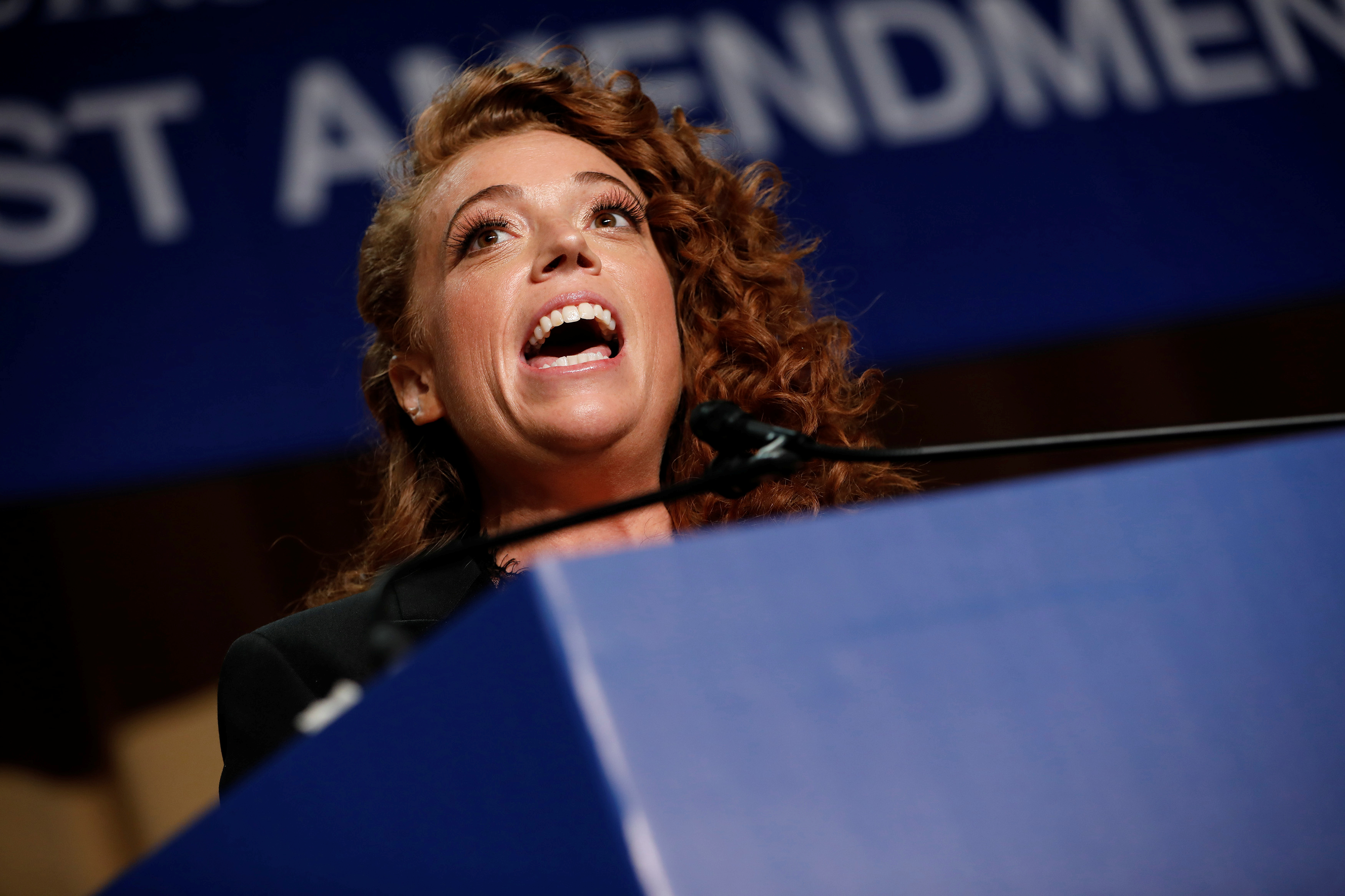 Comedian Michelle Wolf performs at the White House Correspondents' Association dinner in Washington, U.S., April 28, 2018. REUTERS/Aaron P. Bernstein - RC17C939DCE0