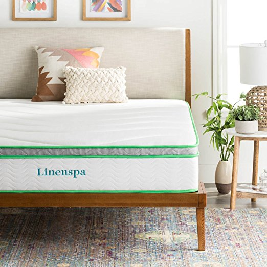 Normally $300, the Queen-size version of the mattress is $75 off (Photo via Amazon)