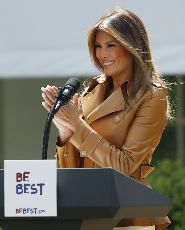 """U.S. first lady Melania Trump delivers remarks at the """"launch of her Be Best initiatives in the Rose Garden of the White House in Washington, U.S., May 7, 2018. REUTERS/Kevin Lamarque - HP1EE571HNRPB"""