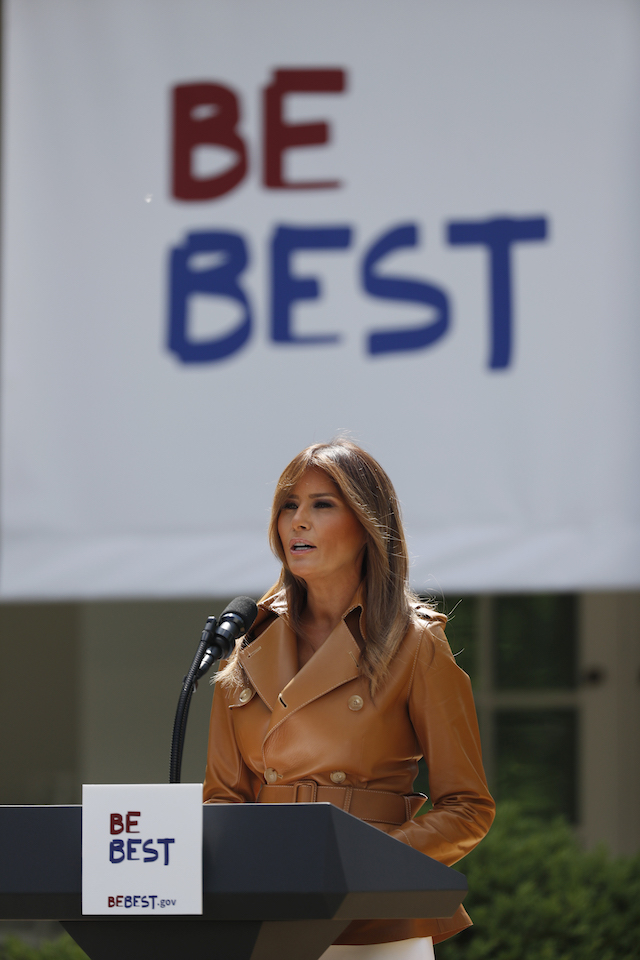 U.S. first lady Melania Trump delivers remarks at the launch of her Be Best initiatives in the Rose Garden of the White House in Washington, U.S., May 7, 2018. REUTERS/Kevin Lamarque - HP1EE571HIEP7