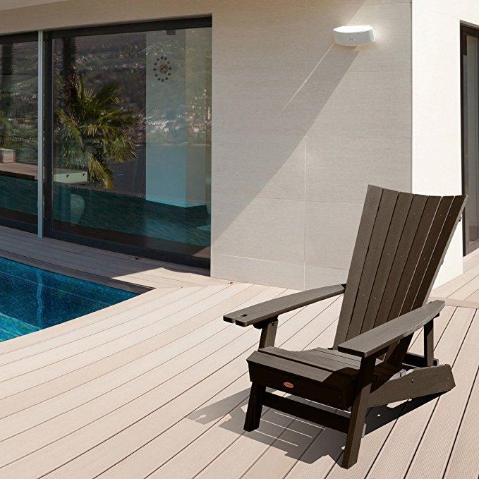 Sit by the pool (Photo via Amazon)