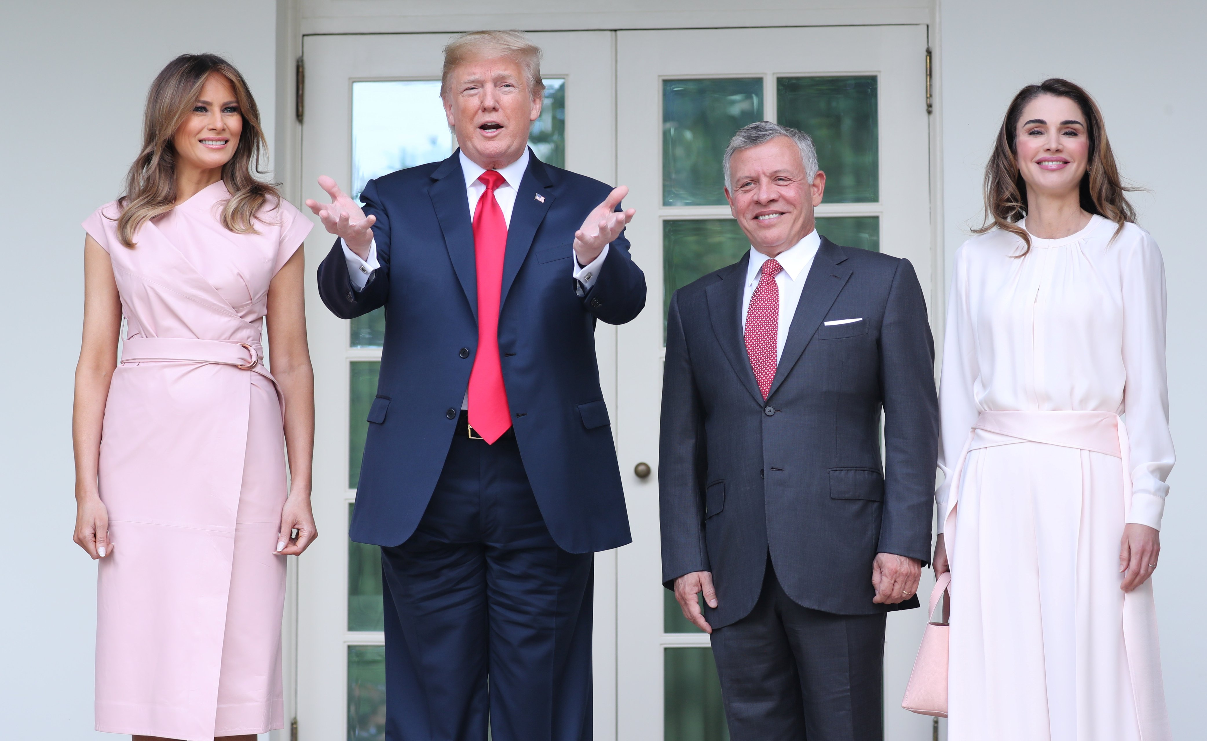 4d005eed92d U.S. President Donald Trump and first lady Melania Trump pose with Jordan's  King Abdullah and Queen