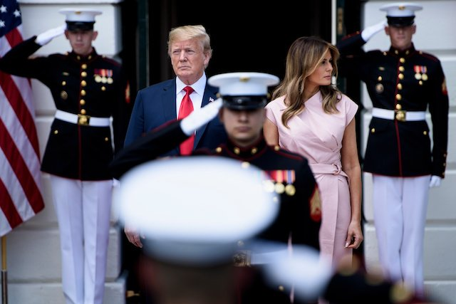 c6f30e12786 ... Queen Rania of Jordan to the White House. US President Donald Trump and  US first lady Melania Trump await the arrival of Jordan's King