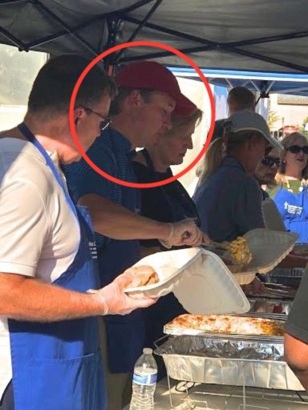 Judge Brett Kavanaugh serving meals to the homeless (DCNF)