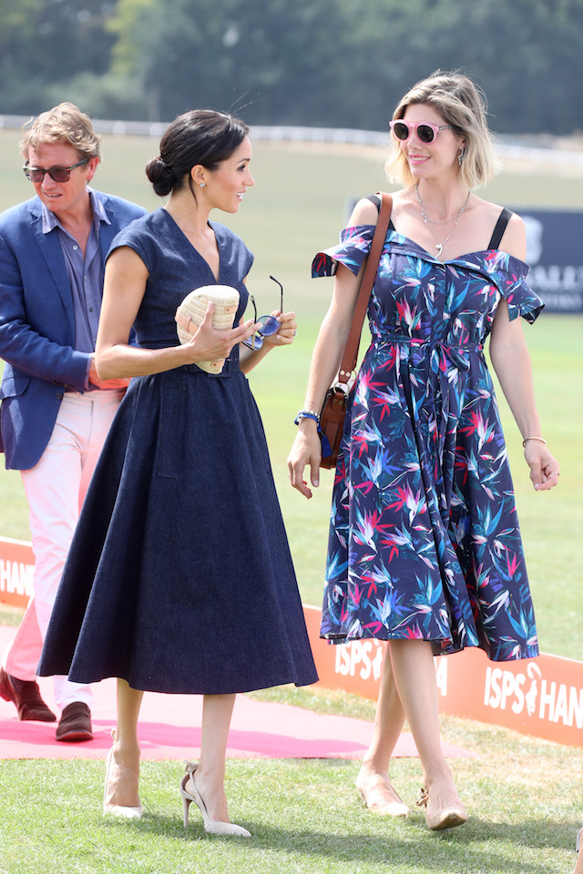 Meghan Duchess of Sussex (L) and Delfina Figueras arrive for the Sentebale Polo 2018 held at the Royal County of Berkshire Polo Club on July 26, 2018 in Windsor, England. (Photo by Chris Jackson/Getty Images)