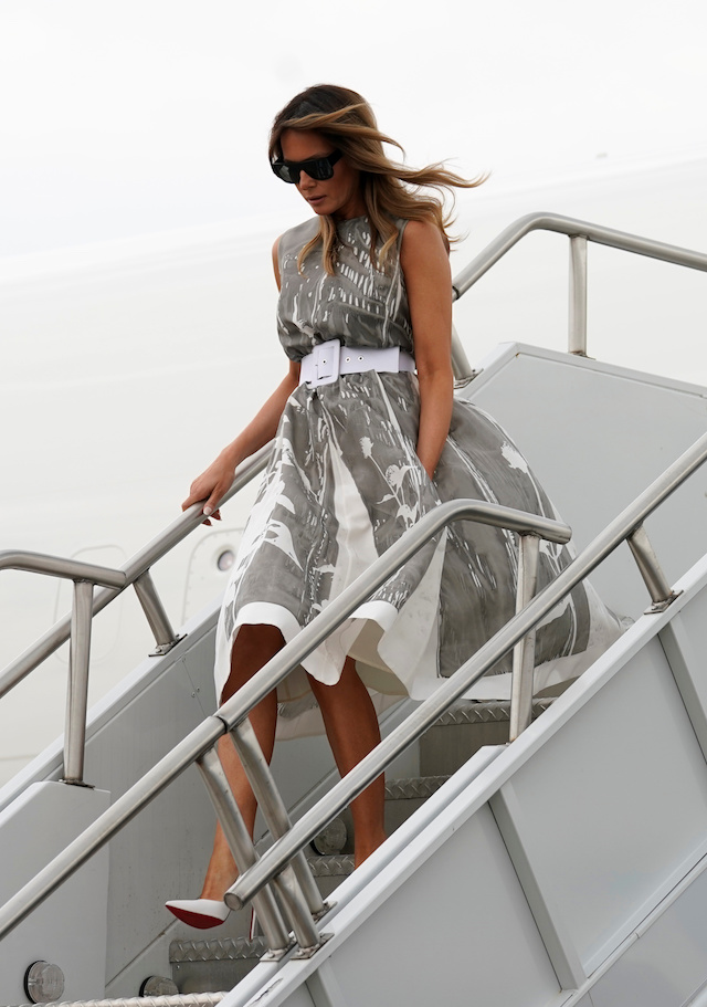 "U.S. first lady Melania Trump steps from the plane as she arrives to visit Vanderbilt†Children's†Hospital as part of her ""Be Best"" campaign in Nashville, Tennessee,††U.S., July 24, 2018. REUTERS/Kevin Lamarque"
