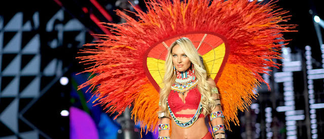 Candice Swanepoel Lights Up Internet In Jaw-Dropping Bikini Snap [PHOTOS]