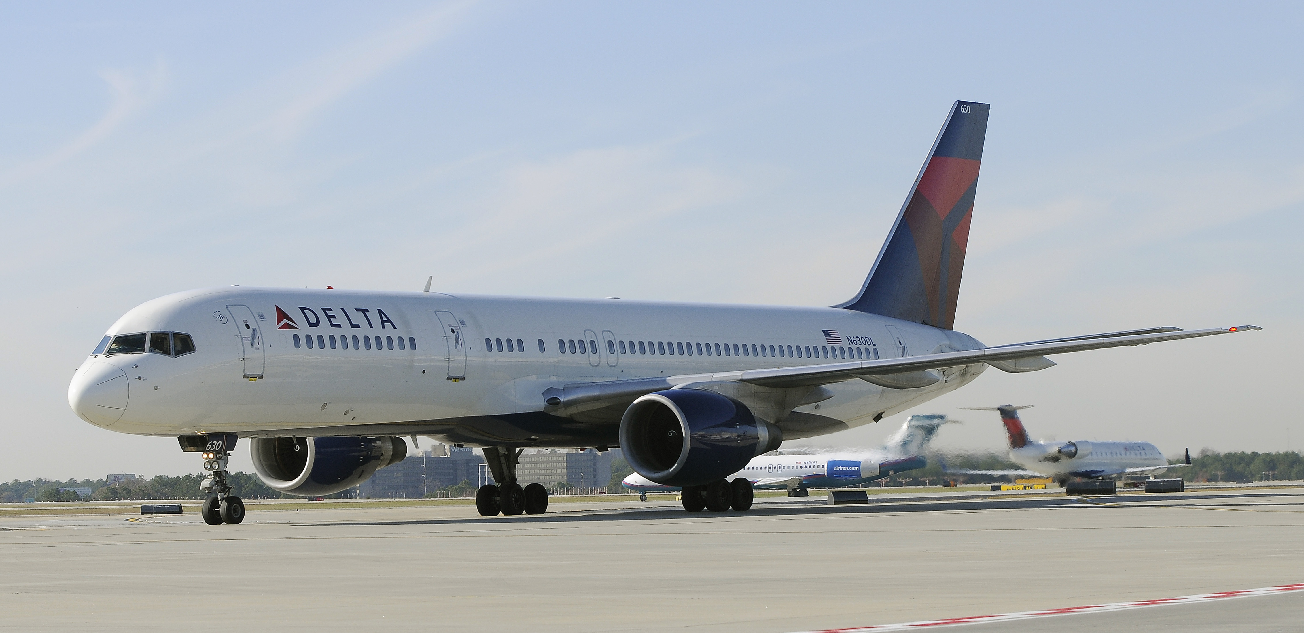Delta Airlines Boeing 757 at Hartsfield-Jackson International Airport in Atlanta .